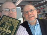 Jeg er veldig glad for å ha møtt Dr. Tayeb Berghout, og han gav meg en engelsk utgave av Koranen, utgitt av forlaget Darussalam i Riyadh, Saudi-Arabia