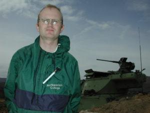 Jeg har god operativ erfaring som krigsreporter, og jeg har jobbet for NATO i Kosovo. Nå er jeg en kriger for fred. Se SorrySerbia.com og StortingsKristian.com.